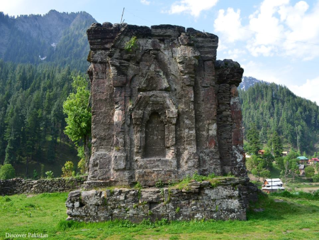 Khuttan Sharda Neelum Valley (3D/2 N)