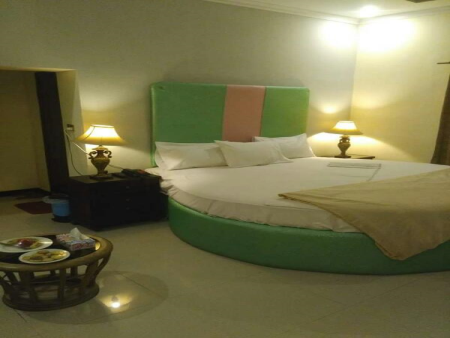Double Bed Executive Lodges Lahore